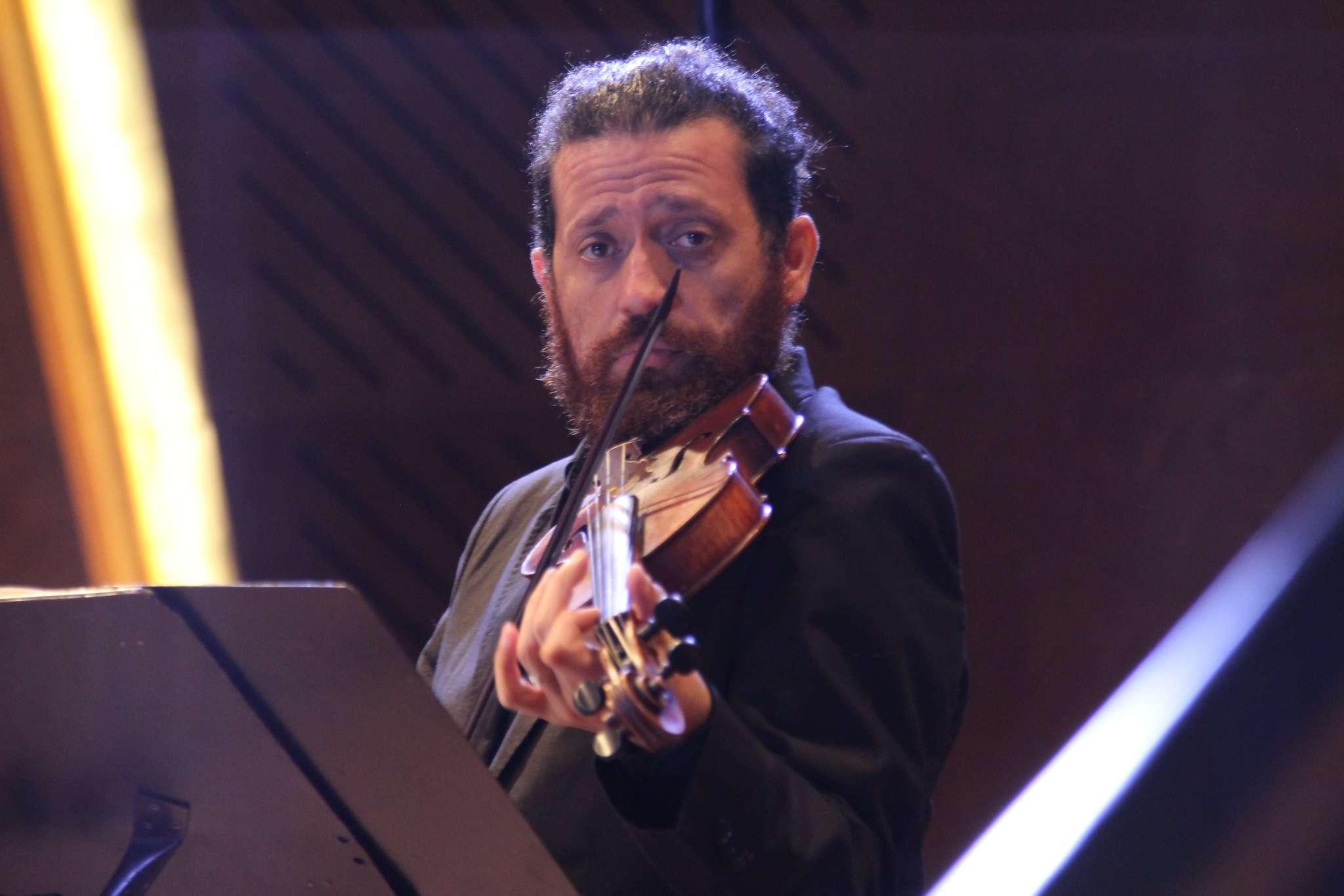 El violinista David Núñez recorrerá la historia del Capricho desde Pierto Locatelli hasta Gabrielle Manca, en su recital en live streaming del 14 de julio próximo. FOTO: IMUC.