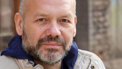 mario costa es el nuevo director electo de la escuela de teatro 3