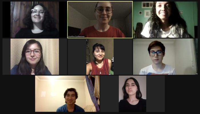 Grupo de estudiantes en Zoom